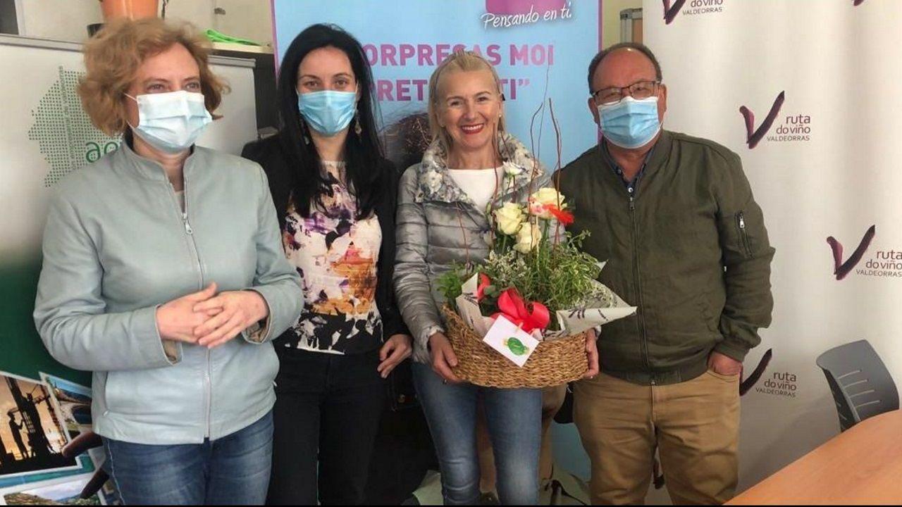 Los empresarios valdeorreses se despidieron de Irene Dacal con una sorpresa