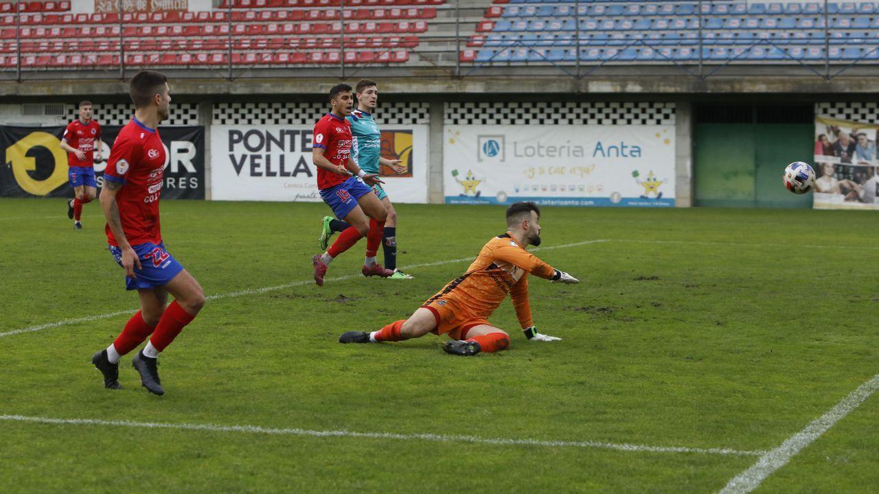 Las imágenes del partido entre el Arousa SC y el UD Ourense