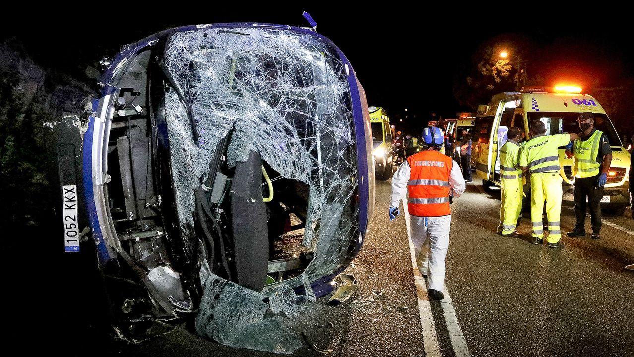 Todas las imágenes del accidente del autobús de PSA en Oia