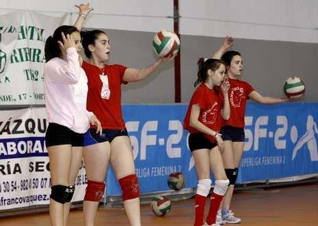 Los equipos inferiores de A Pinguela se nutren de las jugadoras de la competición escolar.