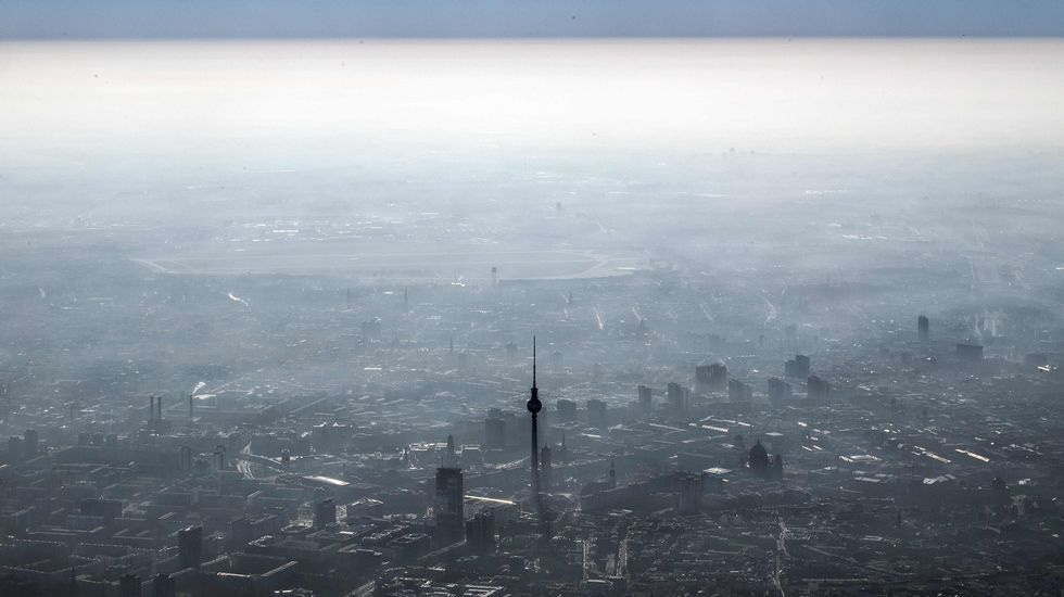 Pol vive su fiesta del emigrante.Berlín, desde el cielo