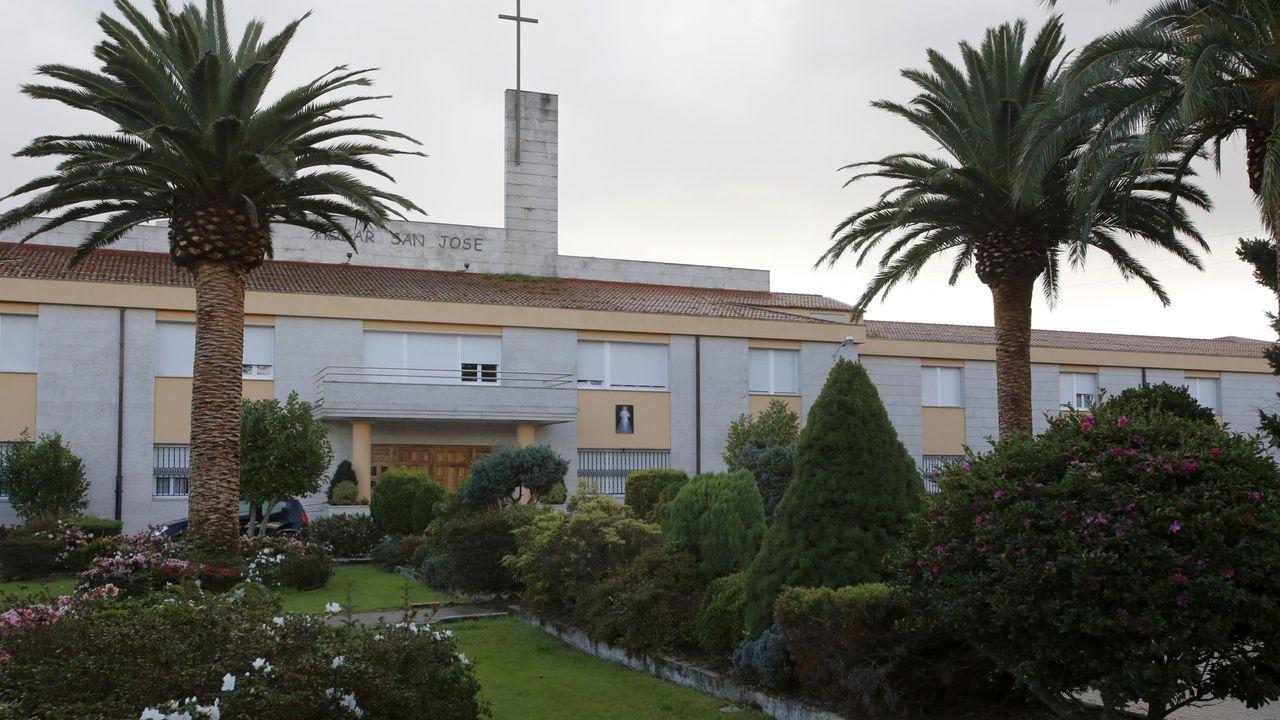 Primer paciente que sale de la UCI en Ferrol.Residencia de mayores San José, de Piñeiros