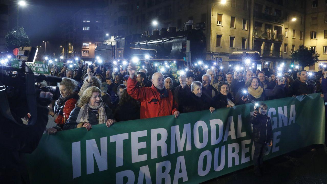 Manifestación por un tren digno.El presidente de la Generalitat, Quim Torra