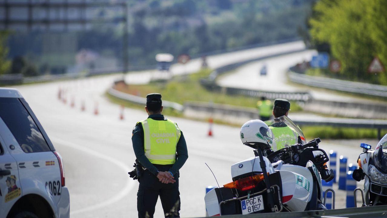 La Guardia Civil ha incrementado los controles a los motoristas, como el de la foto, el pasado fin de semana