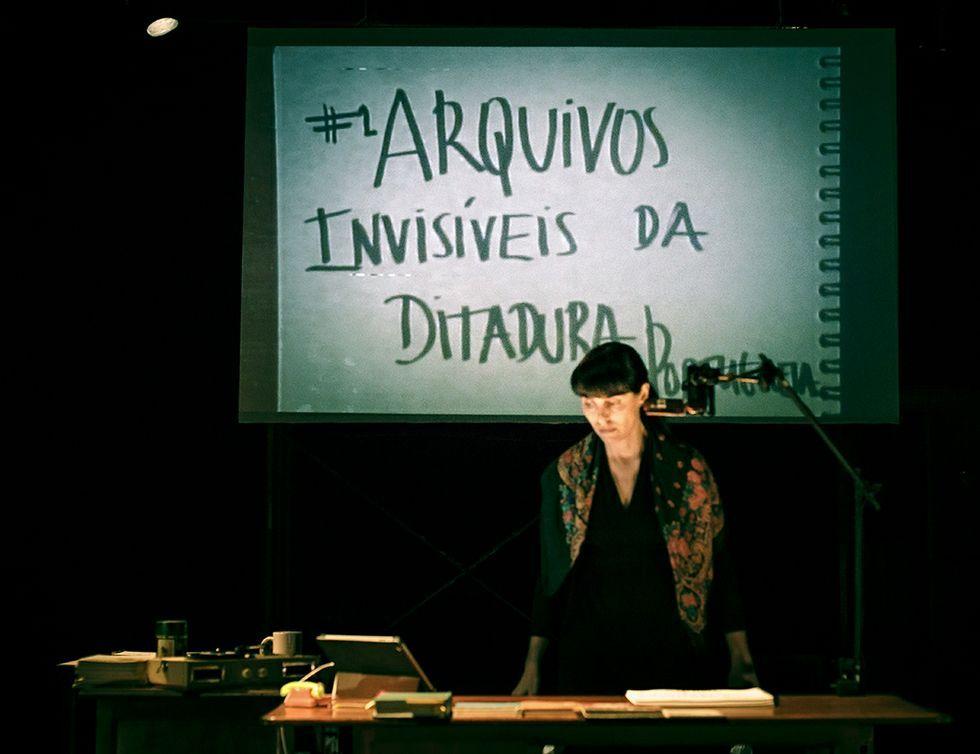 Joana Craveiro escribe y representa todas las piezas