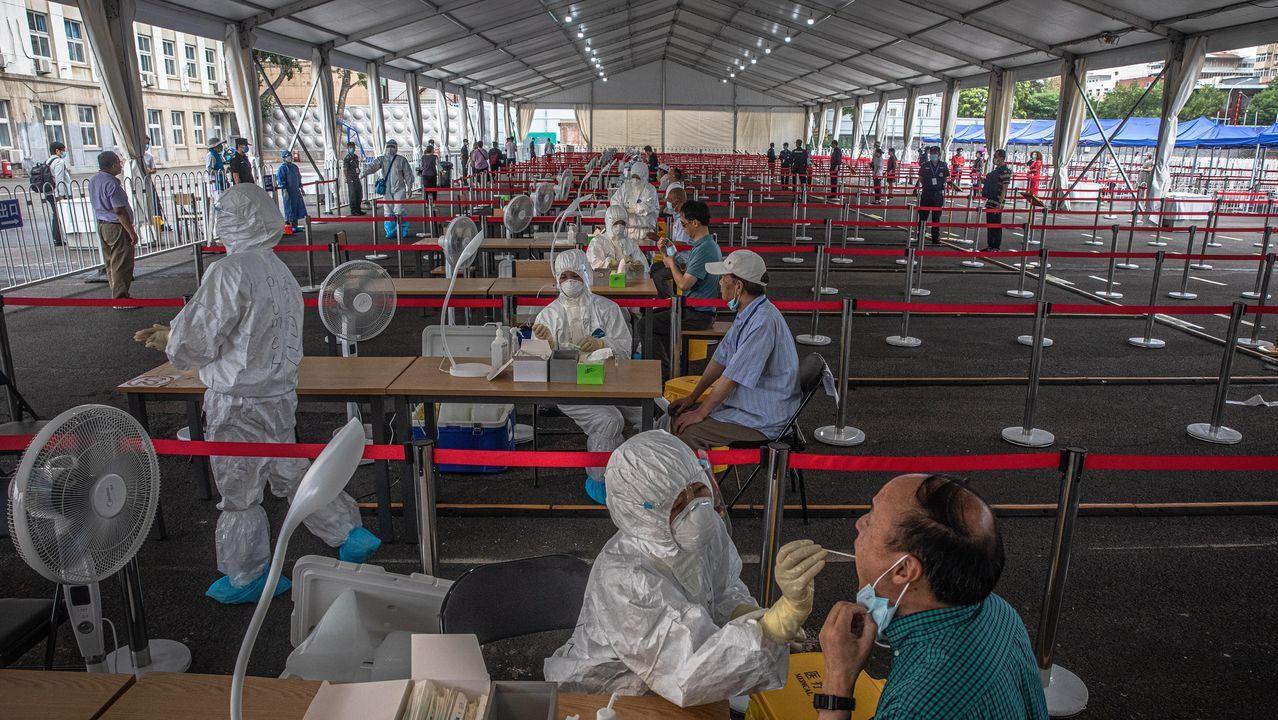 Vista general de los test masivos que está llevando el gobierno chino a la población de Pekín