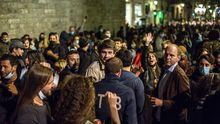 Desalojadas más de 7.000 personas en Barcelona en la primera noche de viernes sin estado de alarma.José Manuel, Javier, Santiago, Pablo y Javier son productores de Ternera Gallega Suprema.