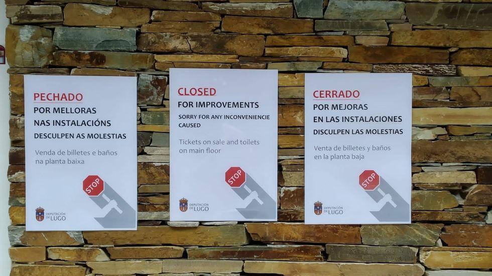 Playas en la provinciade Lugo.Carteles informando del cierre temporal del club náutico de Ponte do Sil