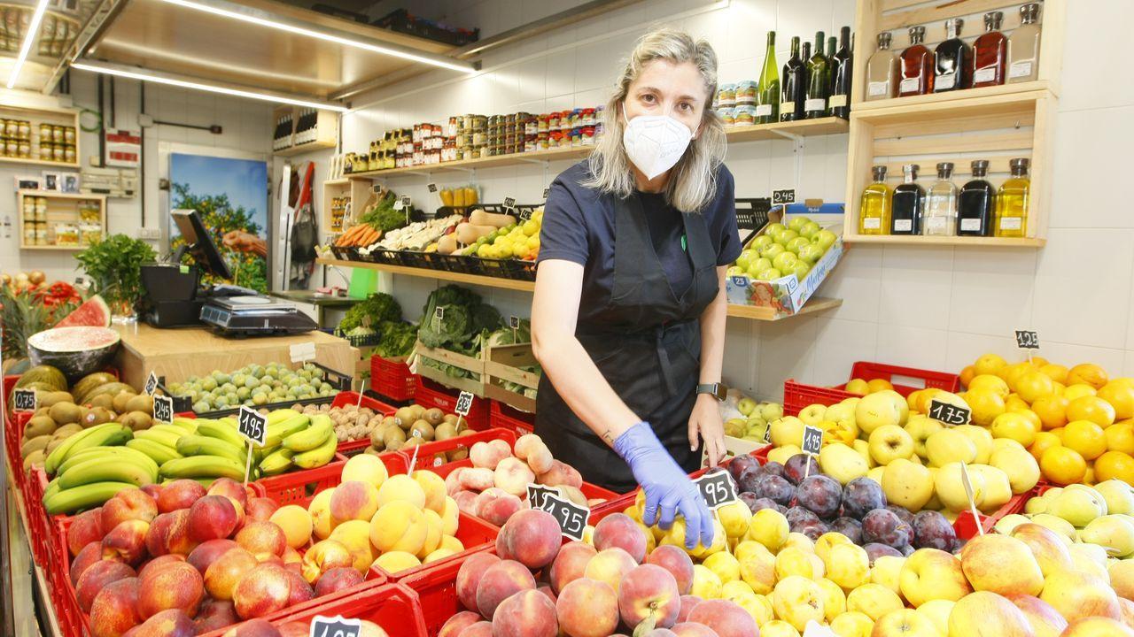 Nuevo puesto de Frutas José en la Praza de Abastos de Viveiro, abierto esta semana