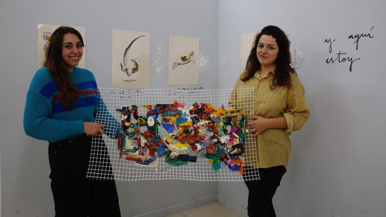 Xuxi Vidal, a la derecha, ha puesto en marcha un rastrillo solidario para recaudar fondos para un proyecto de apoyo a la infancia y a la mujer en Mali