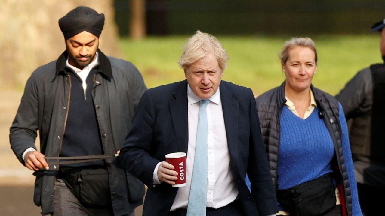 Boris Johnson, a su llegada este lunes a Downing Street