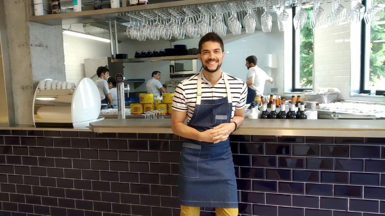 Cristian Santiago Breijo, cocinero de Cariño, en el restaurante Marea