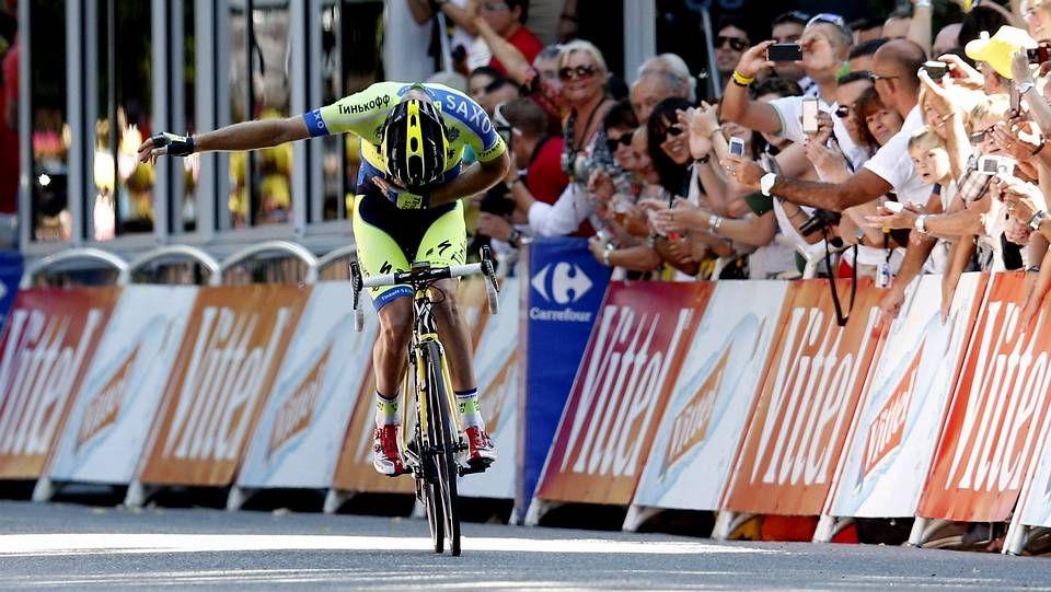 La Vuelta arranca desde un portaaviones de la Armada.La etapa ourensana de La Vuelta a España fue presentada ayer en los Balcóns de Madrid en el Concello de Parada de Sil.