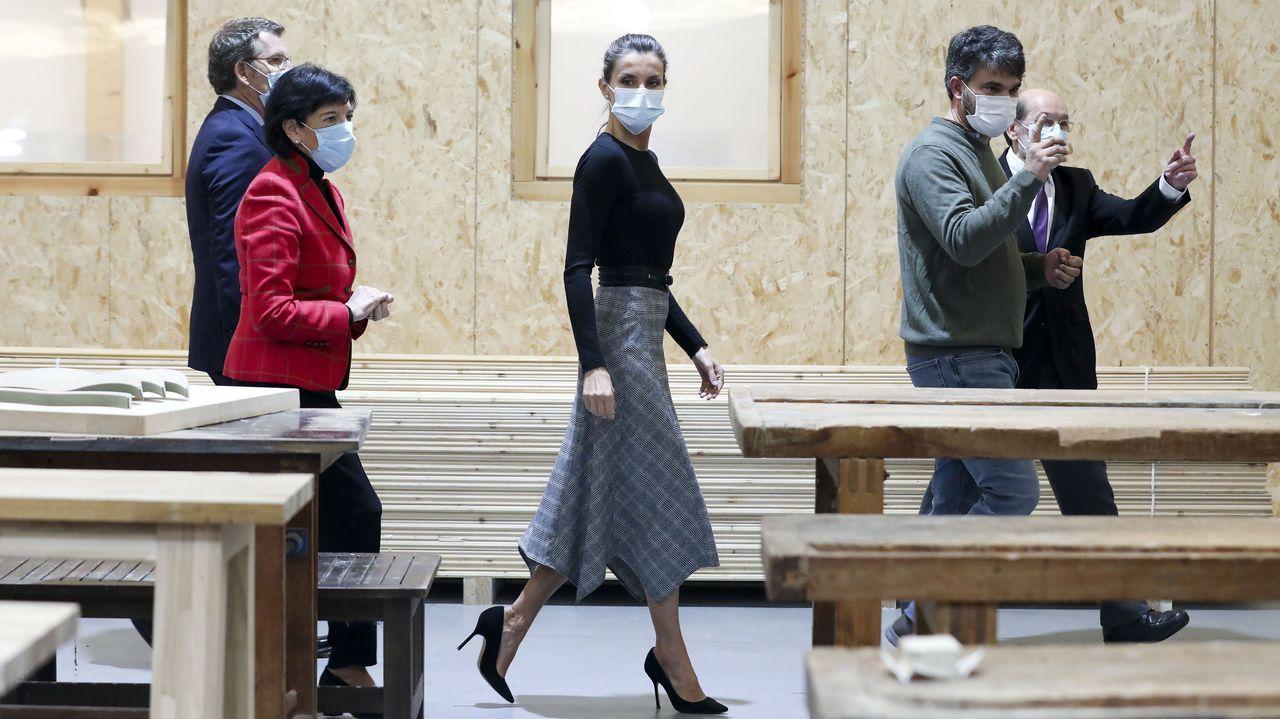 La reina Letizia en la inauguración del curso escolar en un centro de FP de Santiago