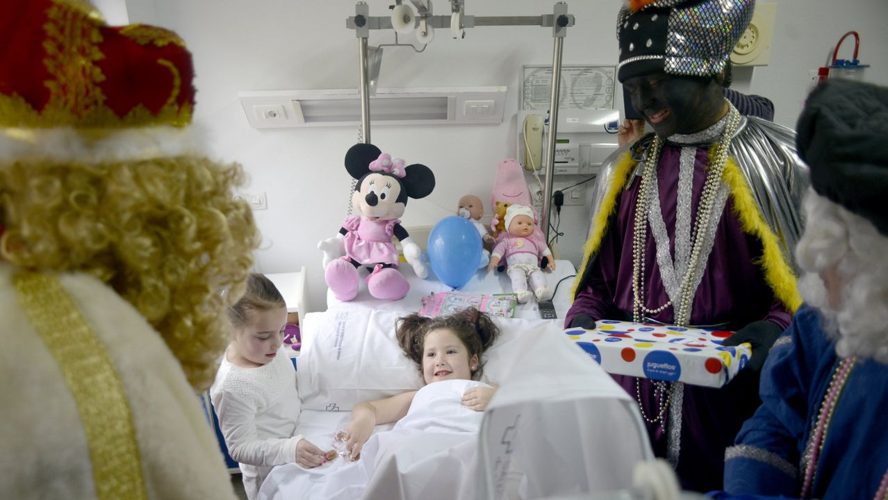 Concentración contra la supresión del área sanitaria de A Mariña
