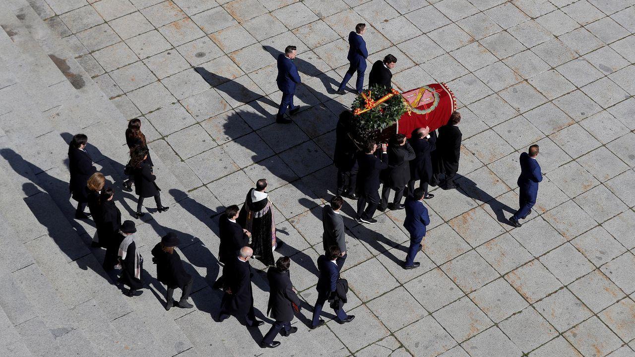 Franco, fuera del Valle de los Caídos 44 años después.Embarque a las islas Cíes