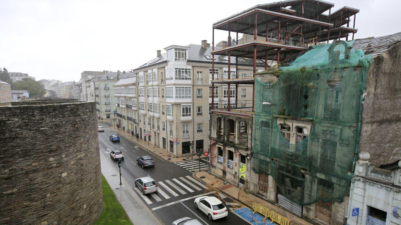 Las peores vistas de edificios desde la Muralla de Lugo.Grabado de 1850 del Seminario Pintoresco Español, donde se ven algunos cubos de la Muralla