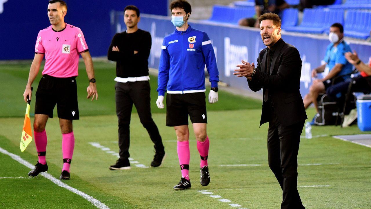 Fran Sol durante un encuentro con el Real Oviedo