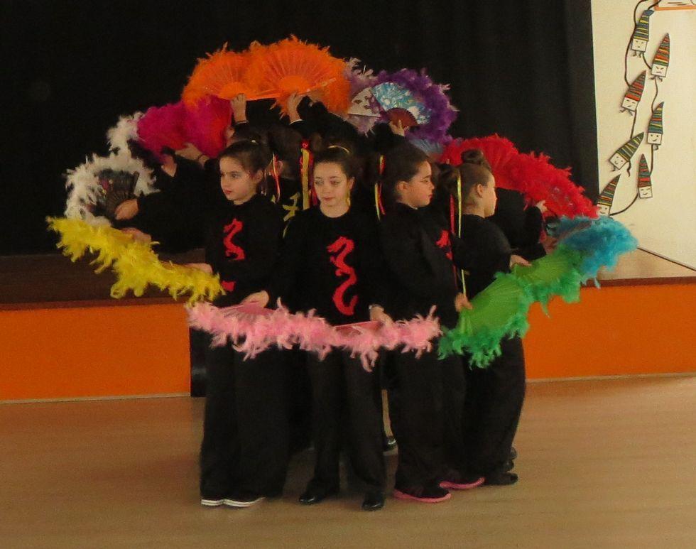 Los alumnos del Ramón de la Sagra aprovechan los recreos para ensayar las coreografías.