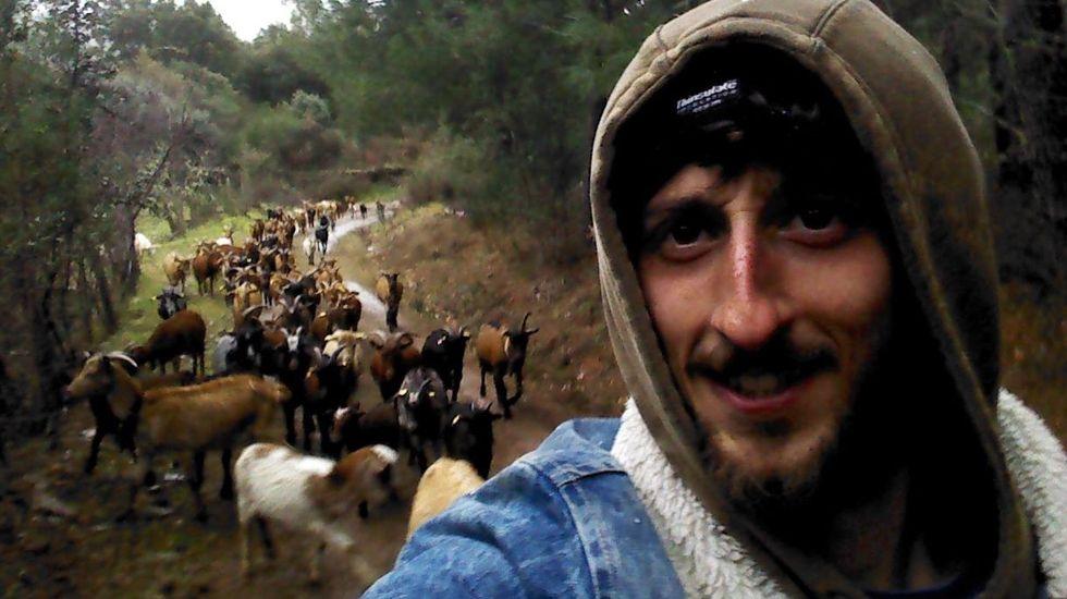 Un pastor extremeño contra las cacerías de lobos en Asturias