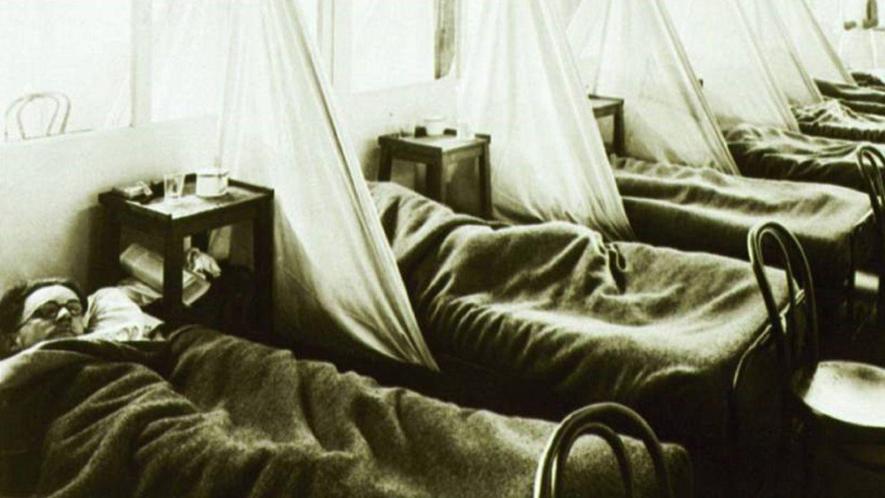 Soldados americanos enfermos de gripe en un hospital de campaña en Francia, 1918