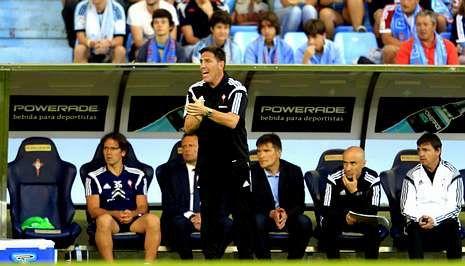 Berizzo cumplió con su particular tradición desde que es entrenador y ganó con solvencia el primer partido de Liga.