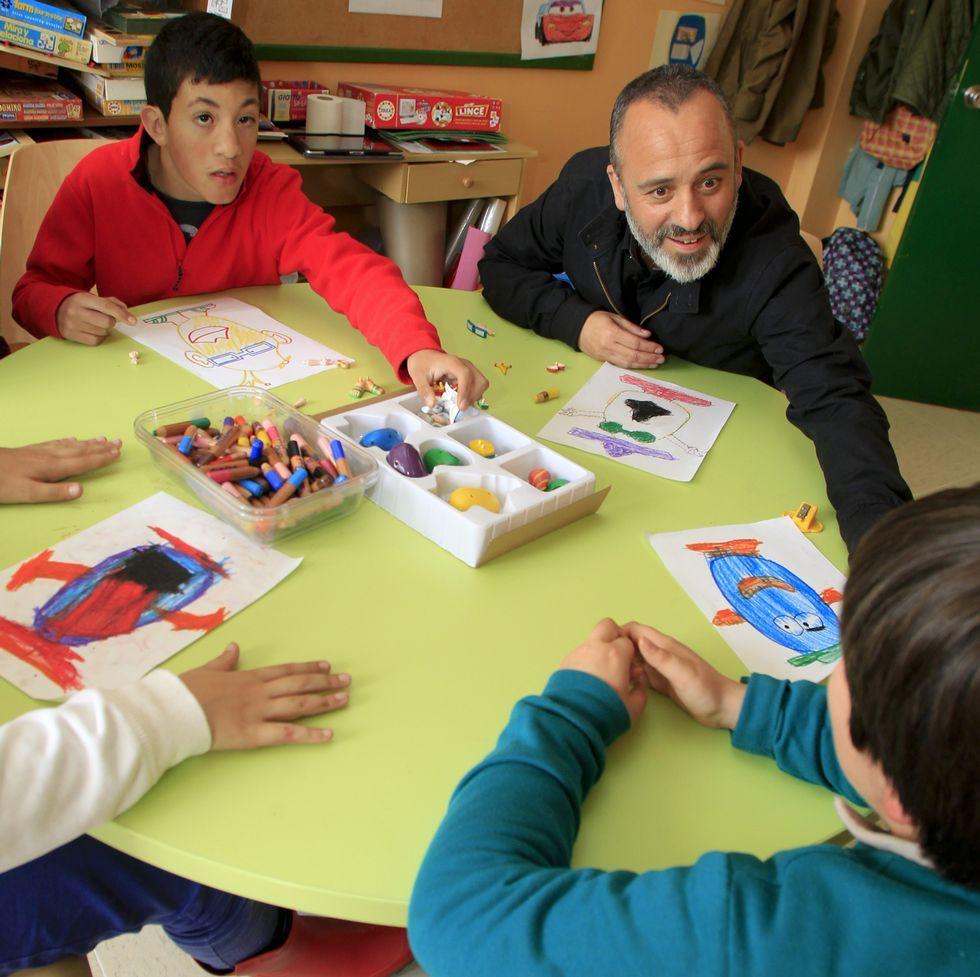 Tráiler de «Mi gran noche».Javier Gutiérrez visitó ayer a los alumnos de Aspanaes.
