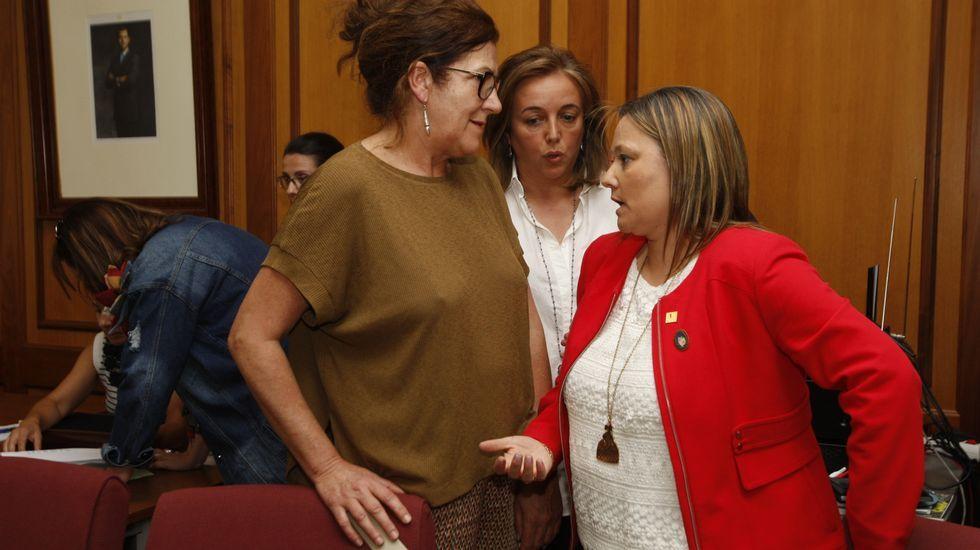 Alicia Cadarso (a la izquierda), Julia Rodríguez y Pilar López, tres concejalas que no repetirán