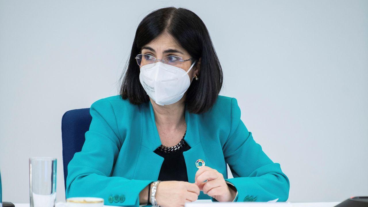 En directo: Comparece la ministra de Sanidad.Vacunación contra el covid-19 en el recinto ferial de Ferrol