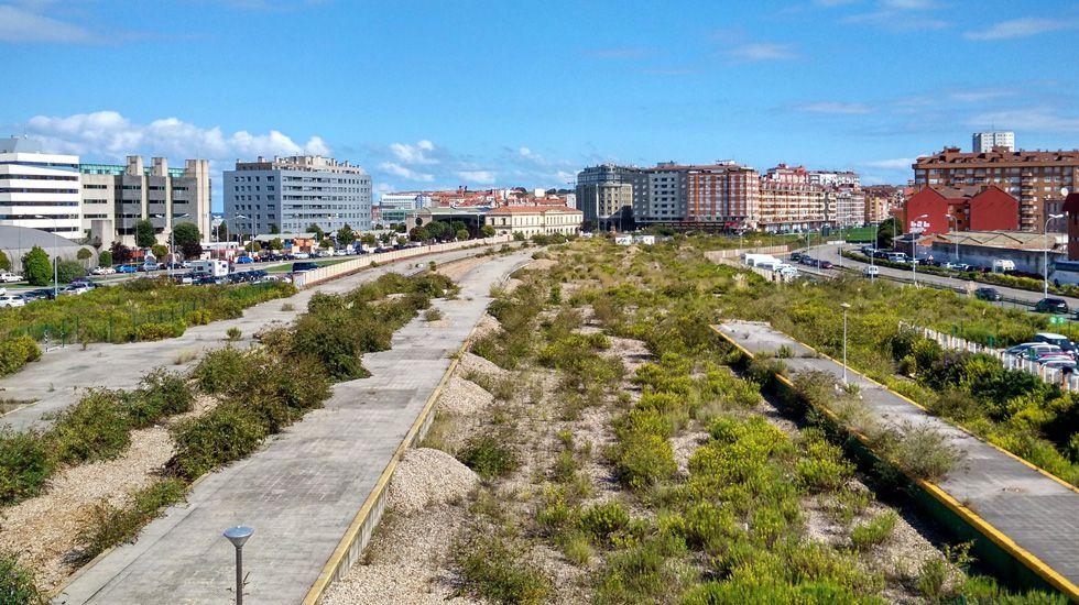 Una perspectiva de la antigua playa de vías en Gijón