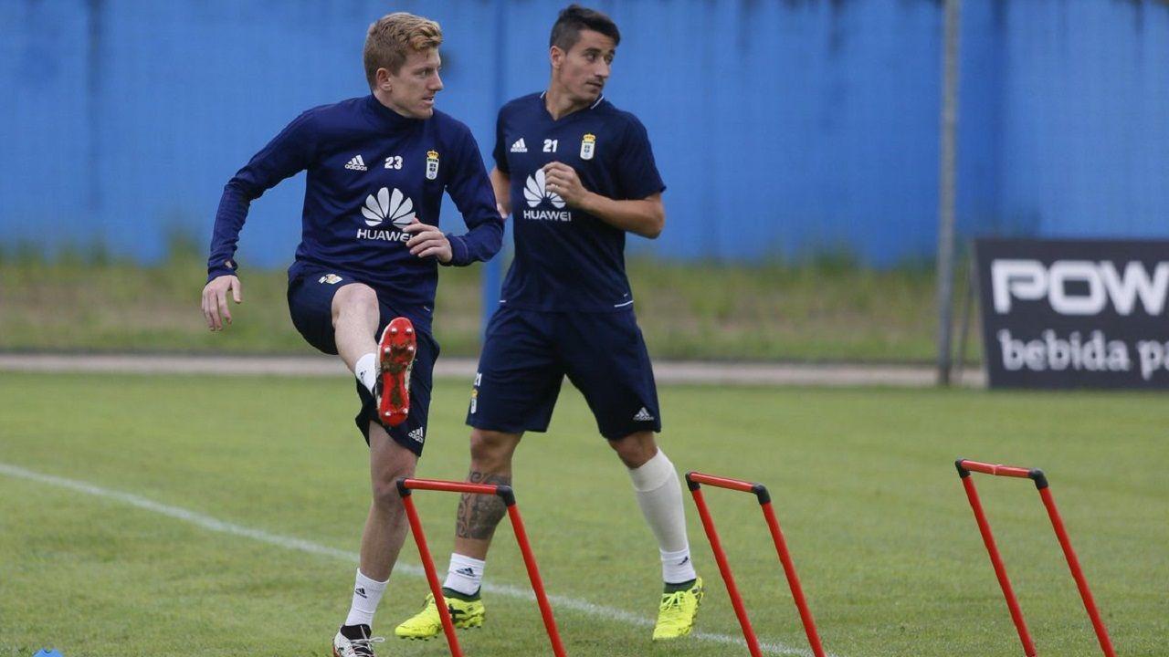 Anquela Requexon Real Oviedo.Mossa en un entrenamiento junto a Saúl Berjón
