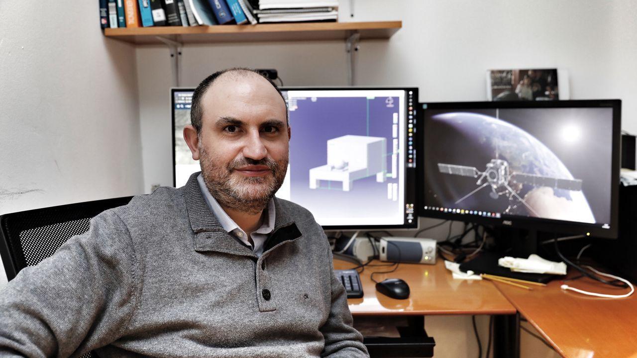 El cribado en Vilardevós concluyó con un 74,3 % de participación.Fermín Navarro profesor de la escuela de aeronáutica en el campus de Ourense