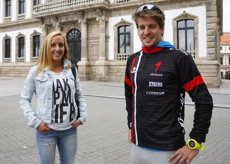 Algunas de las mejores imágenes del Gran Fondo Ézaro.Sonia Pariente y Pablo Dapena no dieron opción a sus rivales en el pasado triatlón de Sanxenxo.