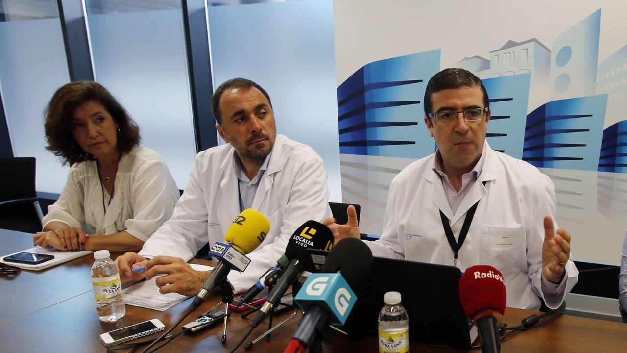 Rubial, a la derecha, con el desde ahora nuevo gerente (en el centro) Julio García Comesaña