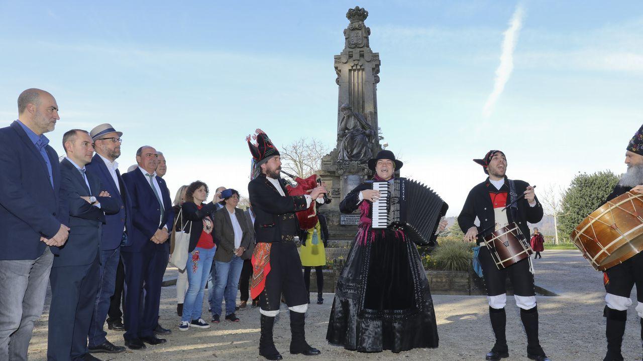 <span lang= gl >Así celebra Compostela o aniversario de Rosalía de Castro</span>
