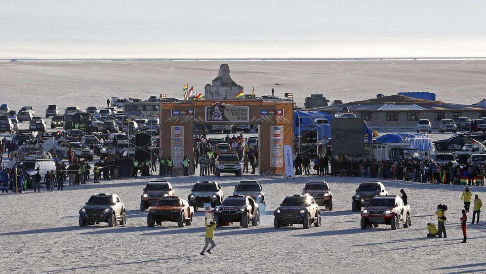 El coche de Nani Roma durante la novena etapa