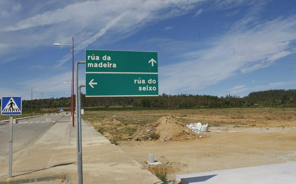 Terrenos donde se ubicará la planta de Gallega de Mallas, en la parcela al lado de Casas Cube.