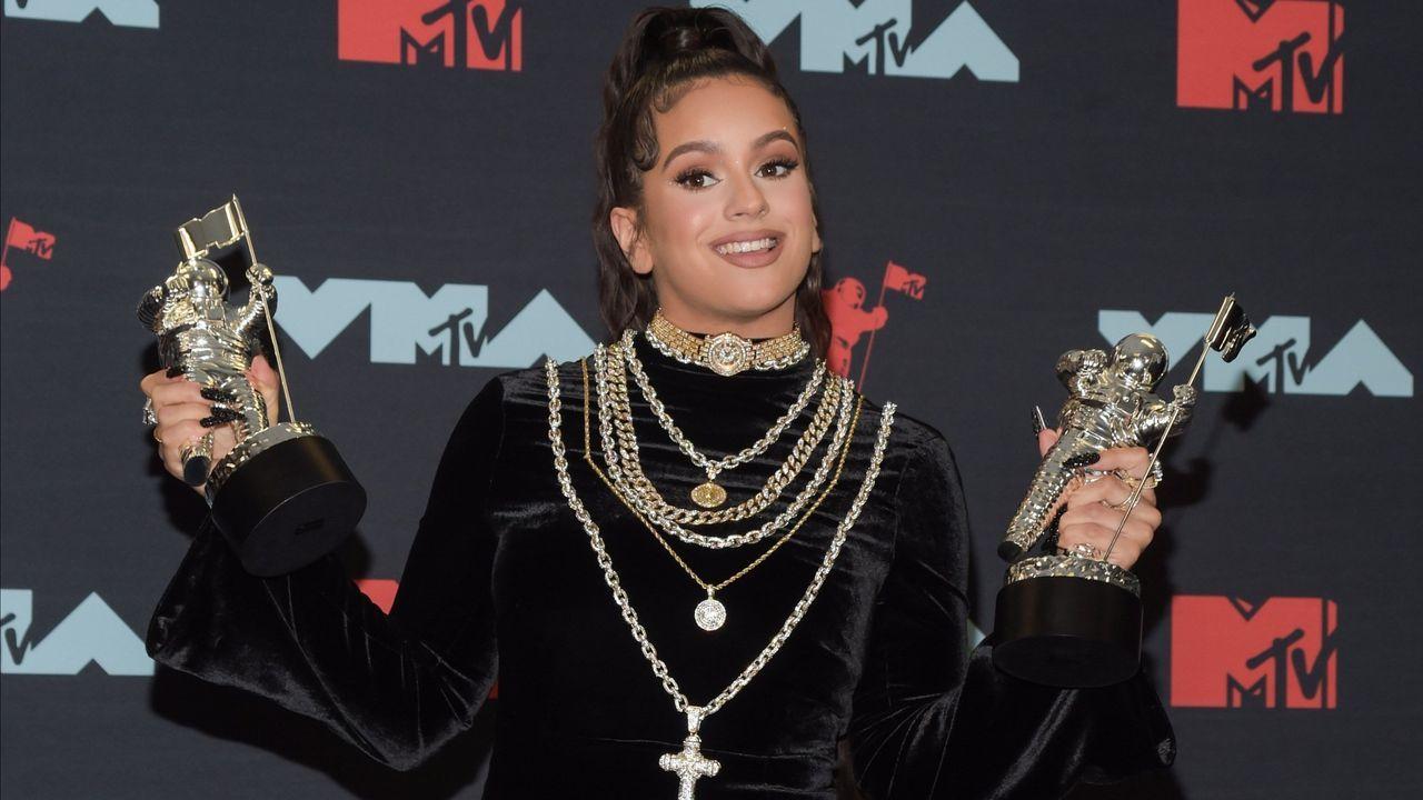 cowan.La cantante de «Malamente» se vistó con un modelo de Christian Cowan-Sanluis para recoger el galardón al Mejor Vídeo Latino por «Con Altura» en los MTV Video Music Adwards de este mes de agosto