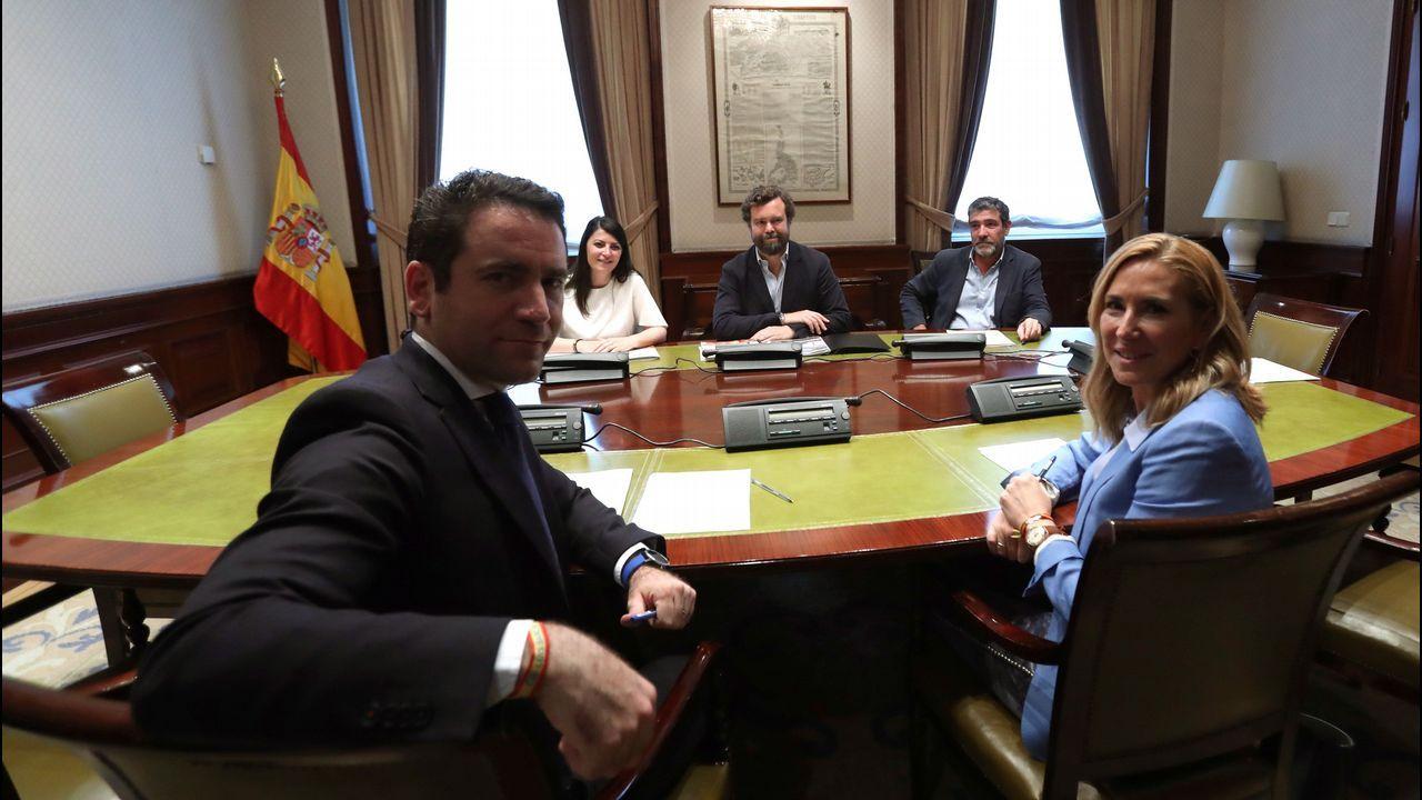 El secretario general del PP, Teodoro García Egea, y la presidenta del PP de la Comunidad de Navarra, Ana Beltrán, participaron en la reunión con los miembros de la dirección de Vox