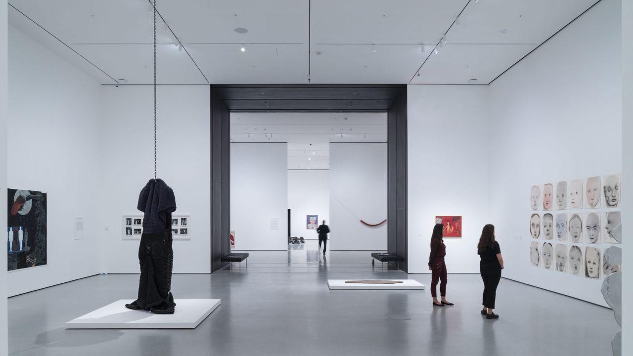 Una de las nuevas salas del MoMA, que ahora expone su colección permanente en orden cronológico.