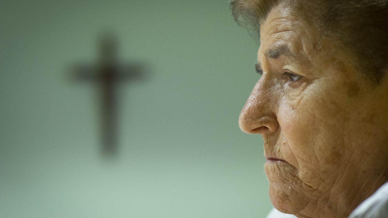 Salud Conde, la madre Salud, emigro desde Ourense a México siendo muy joven y es la responsable de seis colegios, cuatro en México, uno en Ourense y otro en Cabo Verde