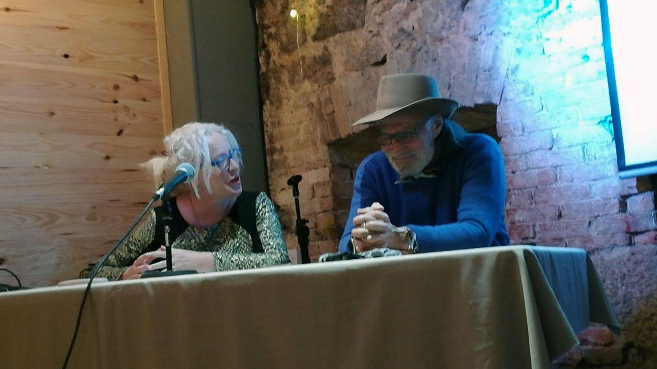 Ramón García del Pomar, con Esther Canteli, en la presentación de su libro
