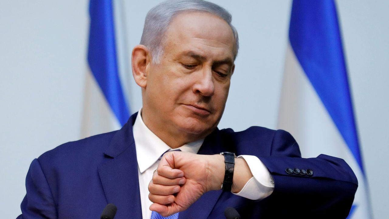 Netanyahu sopesba anoche declinar su inmunidad para intentar lograr un acuerdo de gobierno de última hora en Israel