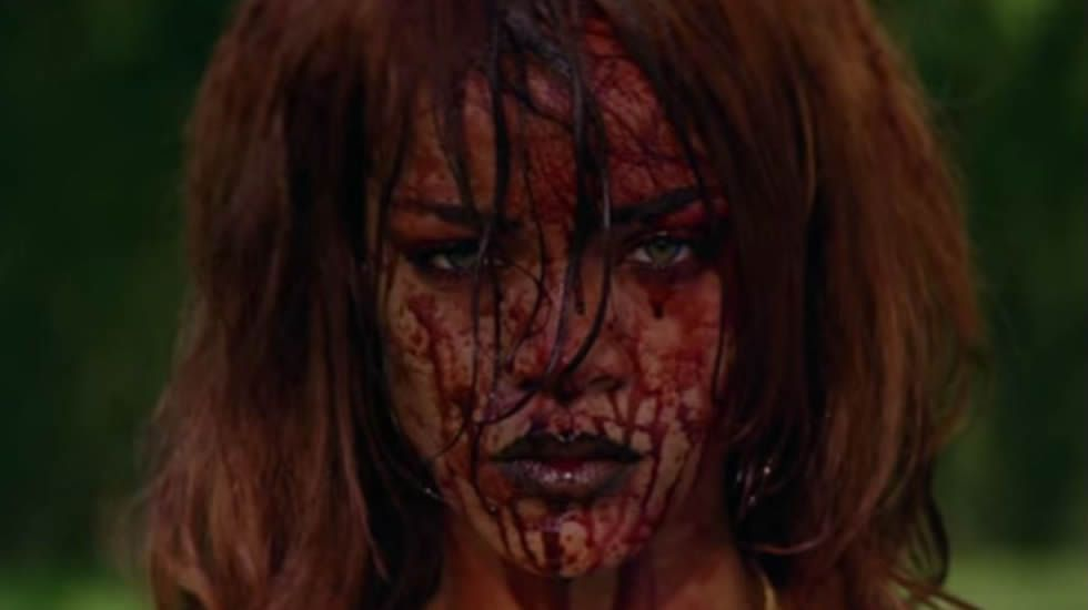 Así es el polémico videoclip de Rihanna