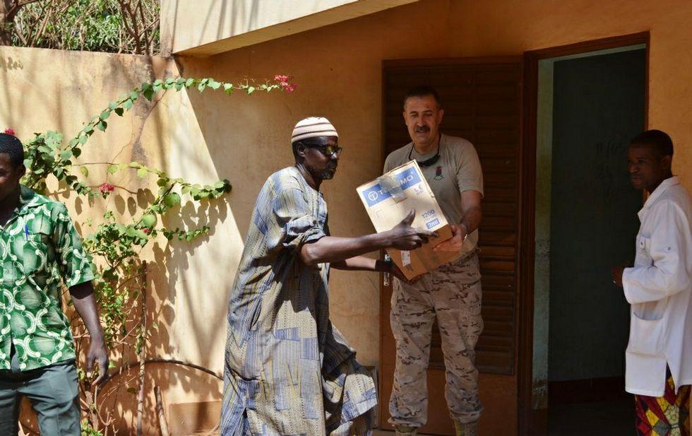 Atentado contra Occidente en Mali.Los medicamentos han sido donados por una cooperativa farmacéutica y una oenegé.