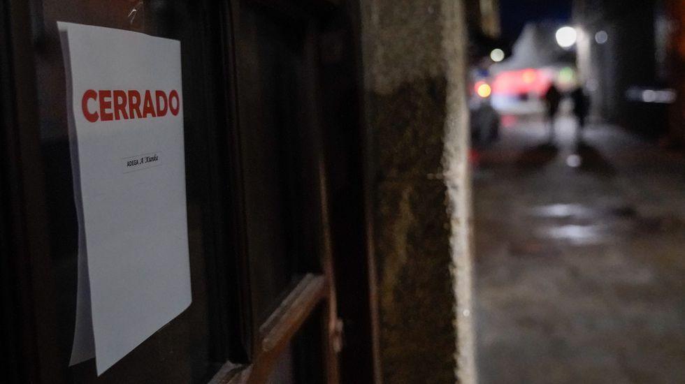 A Pobró entró hace una semana en el nivel alto de restricciones que obliga a cerrar la hostelería a las seis de la tarde y solo permite servir en la mitad de las terrazas