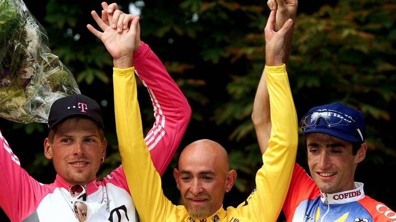 El podio del Tour del 98, con Ullrich, Pantani y Julich