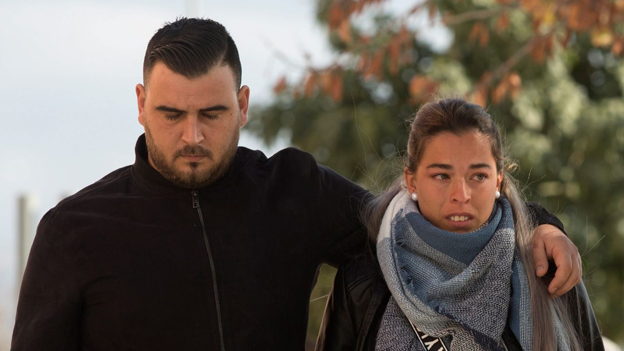 Los padres de Julen, en una fotografía de archivo, en su llegada a los juzgados de Málaga