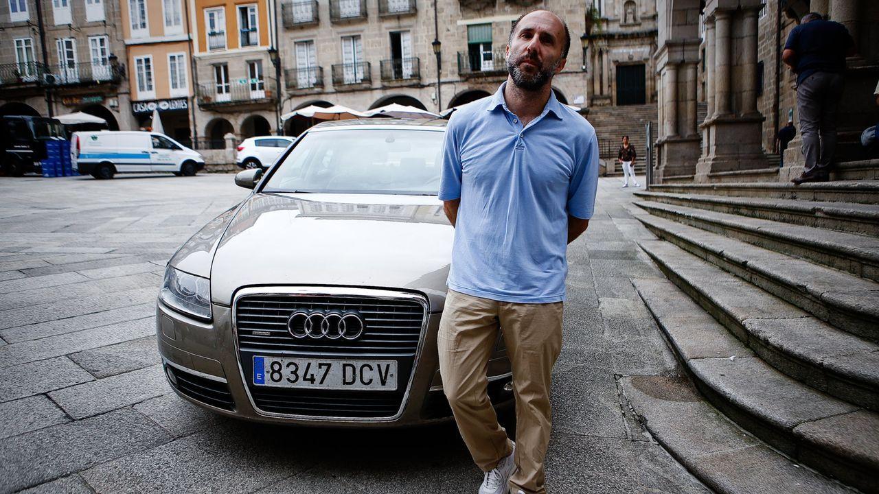Jácome, con el Audi el día que anunció la subasta