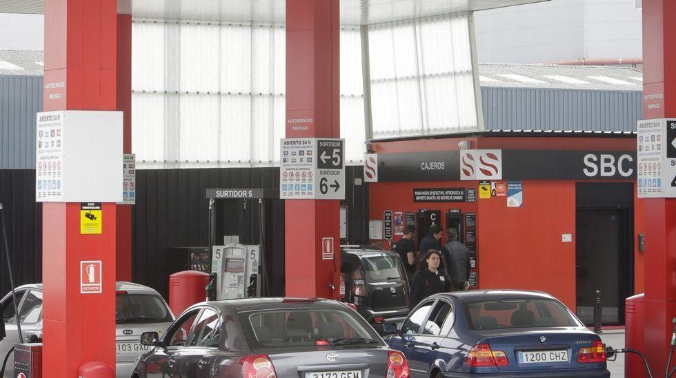 Gasolinera de bajo coste.